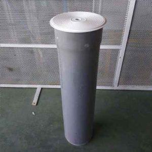 Tubo para elevar la tapa de inspección del SKimmer.